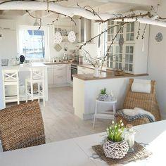 Haaaachhh, so ein traaaaumschöner Morgen❤❤❤. Habt einen tollen Tag und genießt die Sonne. Mädels, dort wo sie nicht scheint, iiiiich schiiiiebe schon..... #küche #nobilia #ikea #osterdeko #ostern #easter #germaninteriorbloggers
