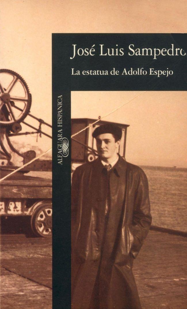 En La estatua de Adolfo Espejo aparecen ya los temas recurrentes en la novelística de Sampedro: El tiempo como percepción subjetiva que se alarga o acorta al ritmo de las sensaciones, la difícil búsqueda del amor y el tema de la dignidad humana.