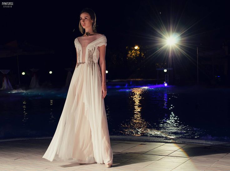 Silk tull wedding dress. Cruise 2014