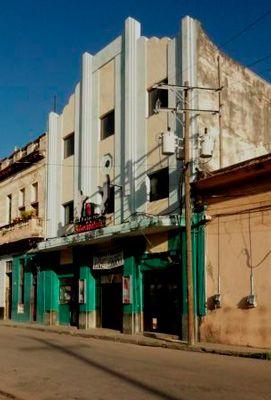 Cines de barrio en La Habana