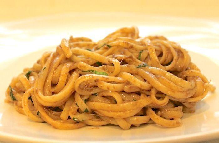 La #ricetta della settimana: Bavette ai filetti d'acciuga e Alta Langa Spumante Rosato http://buff.ly/2npnPBv #vinoitaliano #vino
