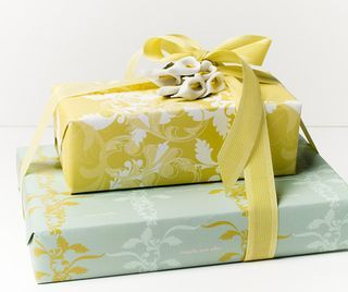 5 Secrets for Elegant Gift Wrapping