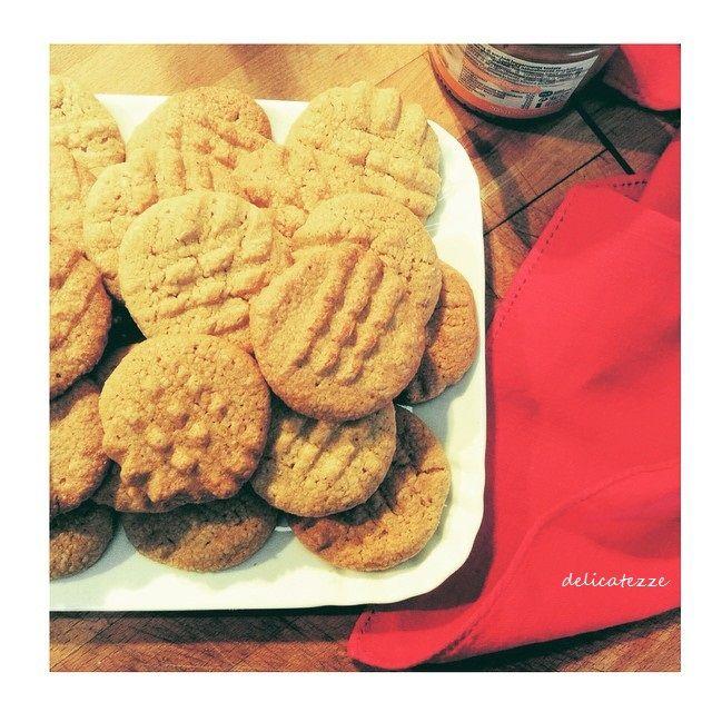 Hai voglia un biscotto diverso dal solito? Veloce e  facile da preparare? Ecco la soluzione: Biscotti al burro di arachidi