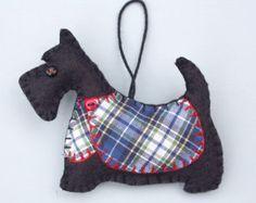 Scottie perro ornamento de la Navidad, ornamento del perro, decoración del perro negro Scottie, de fieltro Navidad perro, terrier escocés, tartán, Angus.