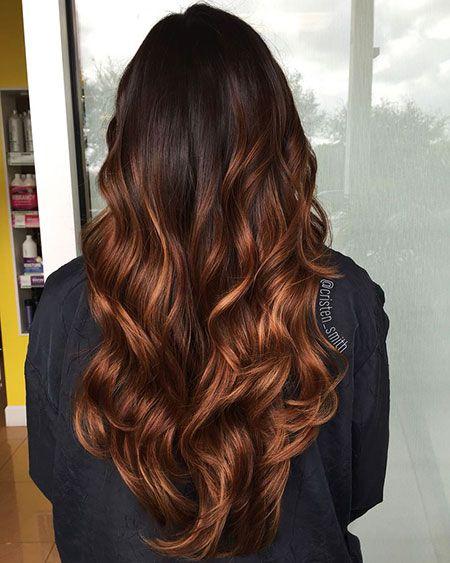 23 Balayage cheveux longs et bouclés Les coiffures colorées Balayage font half…