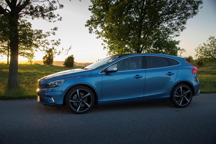 As of model year 2016 all versions of the Volvo V40 are equipped with Drive-E powertrains -- offering a world-class blend of drivability and low CO2 emissions. The CO2 emissions of the 120 hp Volvo V4...