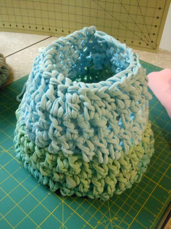 Chunky Basket Crochet Newborn Photography Prop by ShortMountain, $25.00