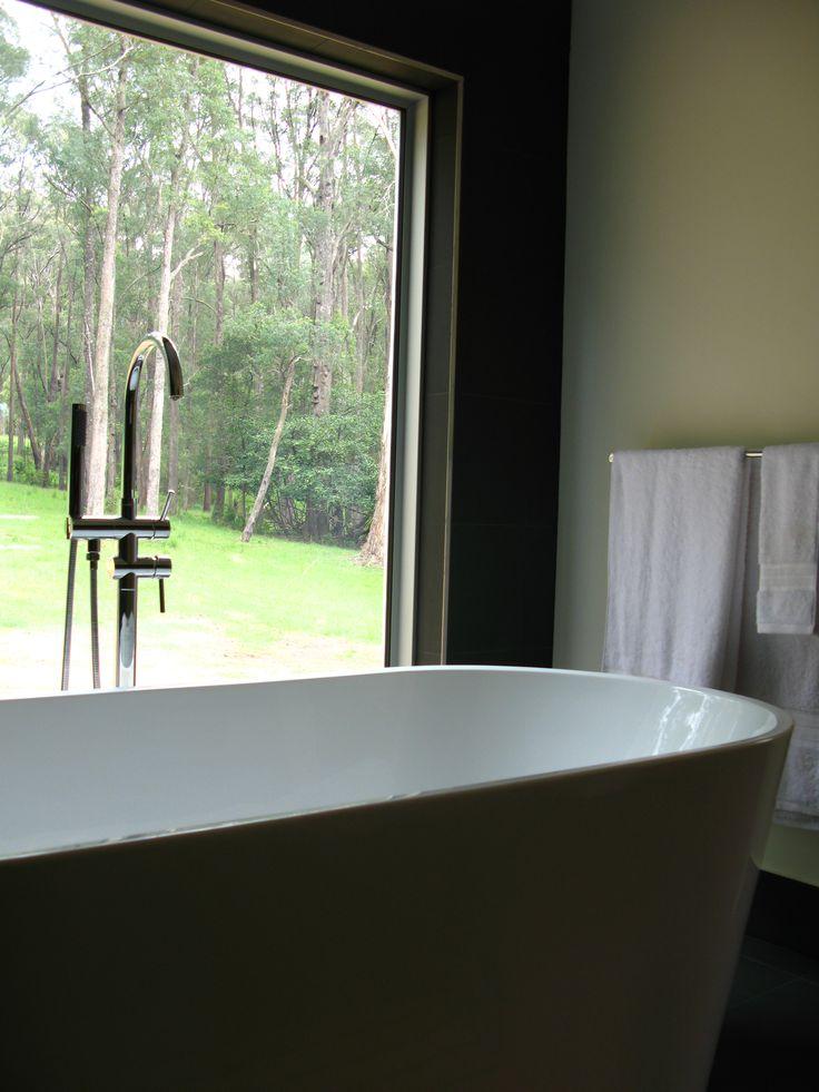 de atelier bath freestanding with view