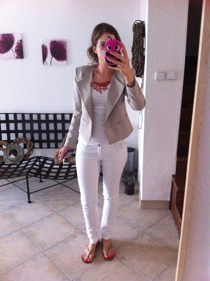 White jeans, white tee, beige jacket, statement necklace. Enjoy Yourself