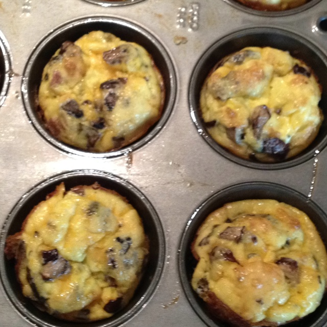Egg Muffin With Peppers, Kale, And Cheddar Recipe — Dishmaps