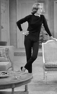 Classic. Mary Tyler Moore/Laura Petrie.