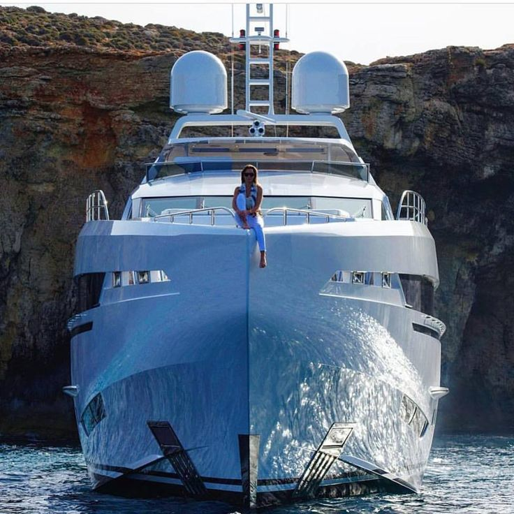 """""""AMORE MIO"""" by Heesen yachts"""