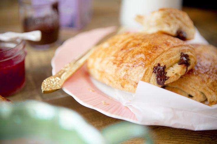 Aprenda a fazer o croissant de chocolate da Rainha da Cocada