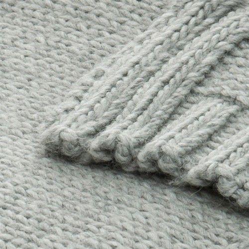 MESSICO. Plaid d'arredamento, ispirato alla struttura della maglia fatta a mano.  Messico is a décor throw, inspired by handmade knitting textured structures.