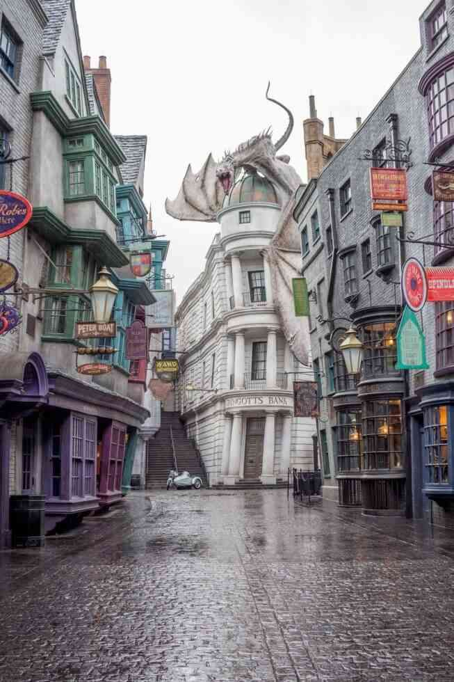 What To See At Harry Potter World Diagon Alley Universal Studio Florida Harry Potter Universal Harry Potter Diagon Alley Harry Potter World