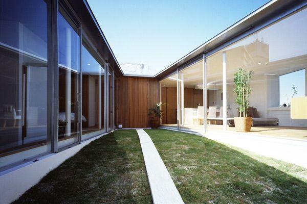 平屋建ての住まい | 外へ閉じ中へ開くプラン | アーキッシュギャラリー