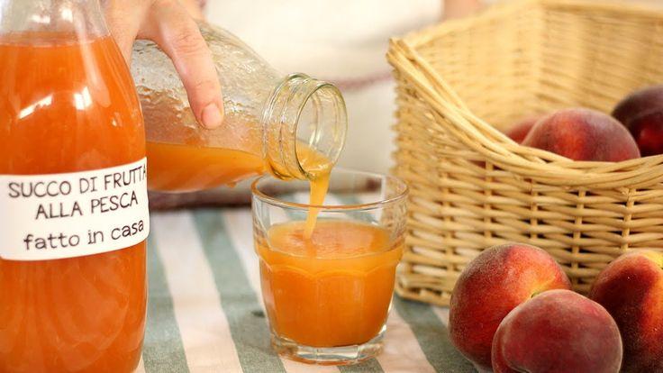 SUCCO DI FRUTTA ALLA PESCA FATTO IN CASA DA BENEDETTA - Ricetta Facile - come preparare in modo semplice e veloce il succo di frutta alla pesca fatto in casa...