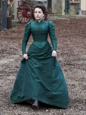 Dorcas wears some serious dresses.  love it!  (Larkrise to Candleford, Wonderful drama, available through BBC and PBS)