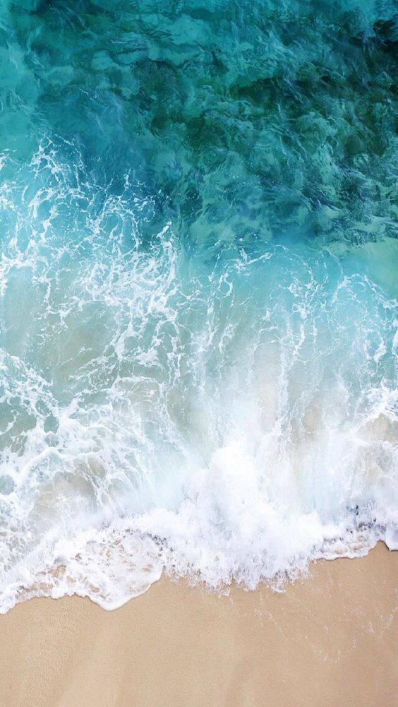 A wallpaper you can use for iPhone to remind you of the sea