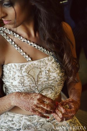 The Indian wedding reception bride.!       Aline