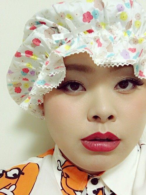 渡辺直美のヘアケア『シルクのナイトキャップ』が話題なんです♡ - Locari(ロカリ)