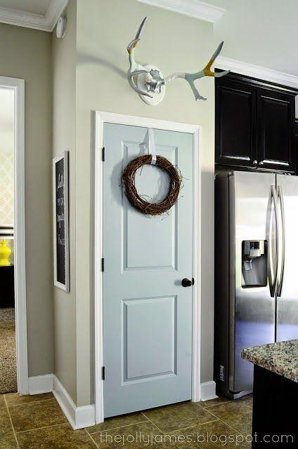 Ремонт своими руками: покраска входной двери.