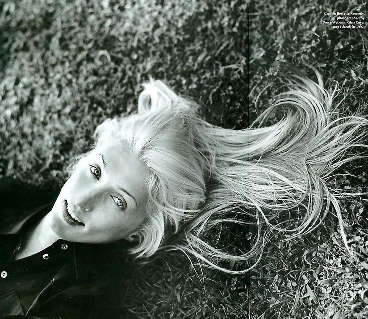 17 Best Images About Carolyn Bessette Kennedy Vanity Fair On Pinterest Wardrobes Death And