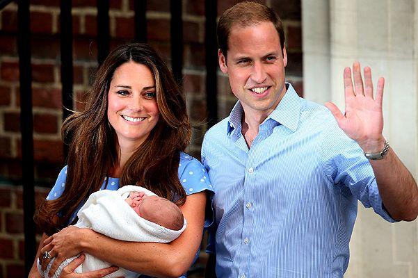 Герцог и герцогиня Кембриджские покидают роддом с новорожденным наследником британского престола.