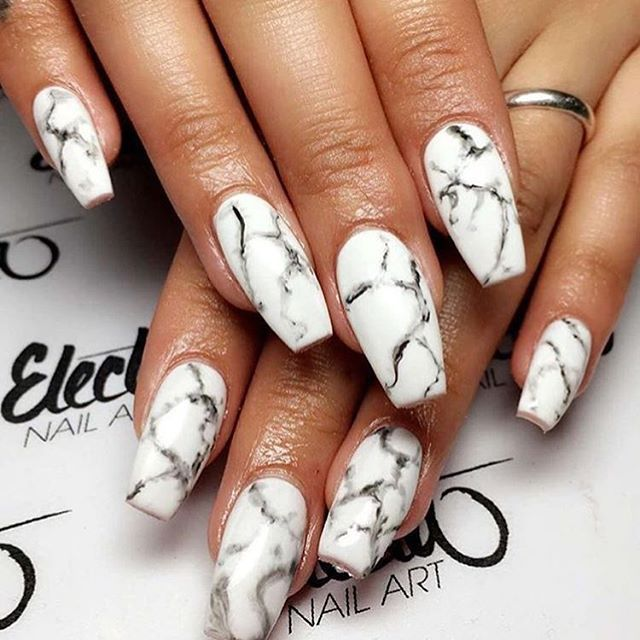 These marble nails are amazing  @electanailart is a true nail art wizard