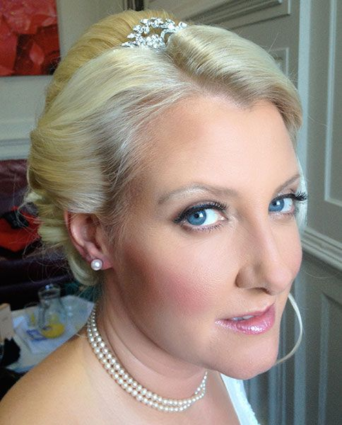 Joanne Pearson MUA sultry smokey wedding makeup. http://absolutely-flawless.net/bridal-hair-makeup/