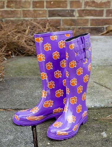 Could make these easily out of purple rain boots!