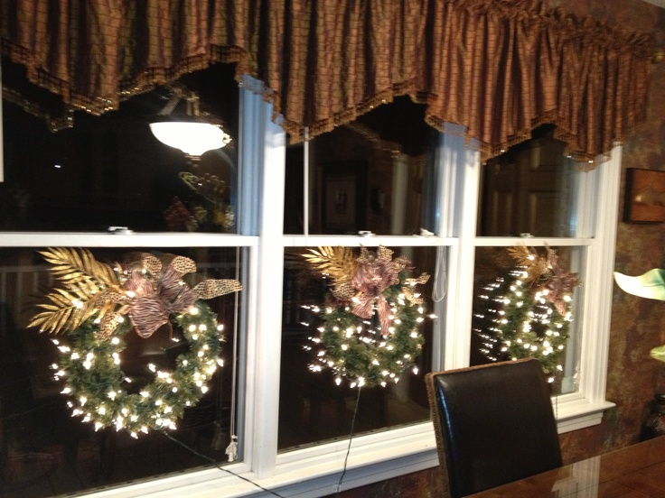 Kitchen window decor for the holidays