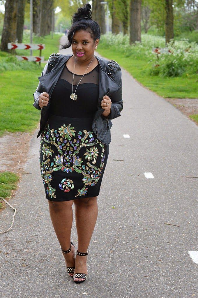 "Supersize my Fashion: ""Rocking"" sequins i have blk blazer..need strappy heel"