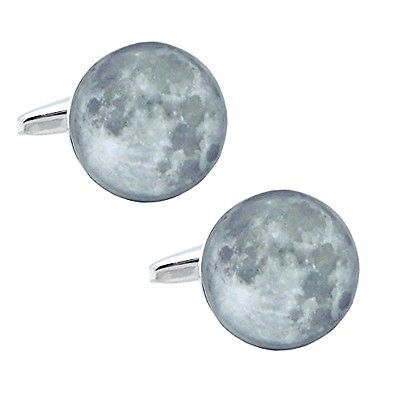 Moon month cuffs (cufflinks, cufflinks) n00861 descriptionit is with a special case.color: silver, bluematerial: brass, rhodium coatingsize: 1.5cm x 1.5cm (face portion)size: 1.5cm x 1.5cm (face portion)paymentpaypal shippingwe can send your items with combine shipping!terms of sale about uswe are japanese seller we will send the items from japan. International buyers - please note: import duties, taxes and charges are not included in the item price or shipping charges. These charges are…