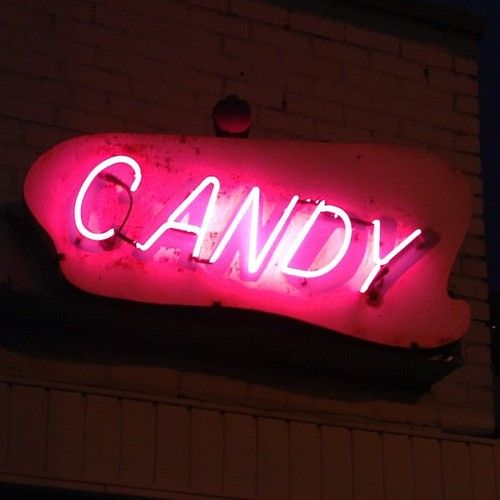 CandyCandies Land, Candies Crushes, Pink Neon, Pink Candies, Neon Lights, Neon Signs, Candies Pink, Candies Neon, Neon Candies