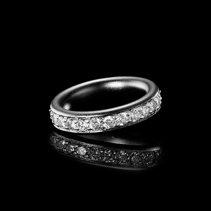 Julie Sandlau - Ring