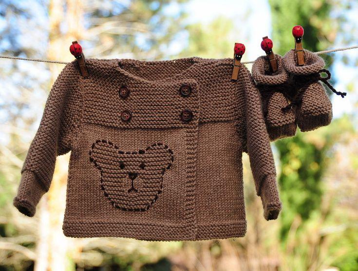 layette ensemble petit ours brun 1-3 mois neuf tricoté main brassière et chaussons : Mode Bébé par com3pom