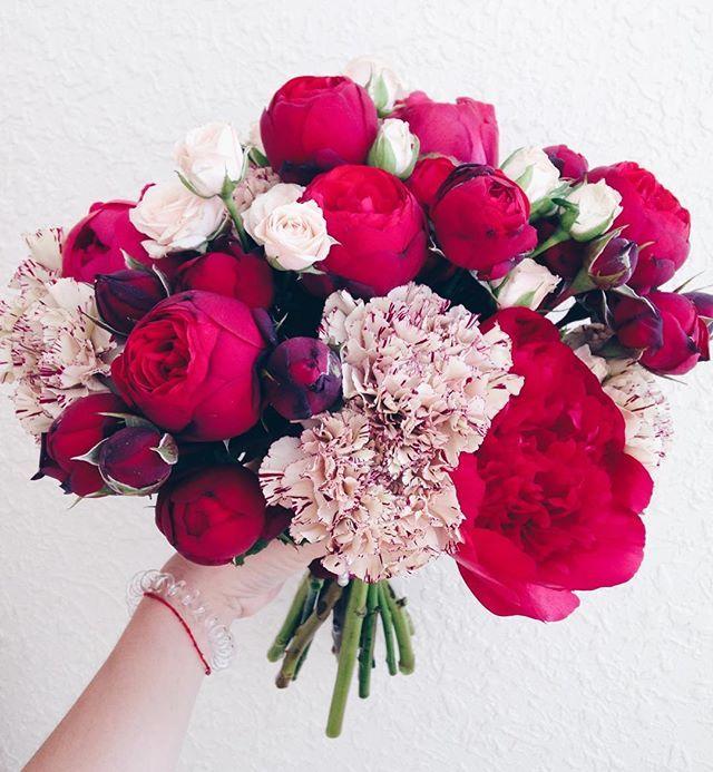 Привет букет ❤️ Наш сегодняшний марсалово-капучиновый красавец✨ #weddingart #wedart #wedding_art_team #wedding_art_decor #lovely #marsala #red #bouquet #weddingbouquet #flowers #weddingflowers #floral #l4l #like4like #likeforlike #vsco #vscocam #vscoua #follow #followme #букетневесты #флористкиев #букеткиев #свадьбакиев #свадьба #марсала