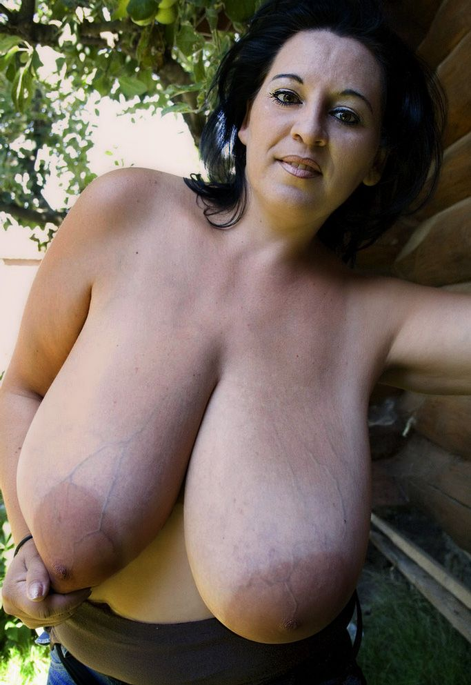 Huge saggy bbw boobs