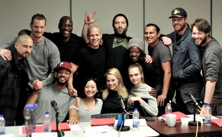 Mira @PastranaTweet El cast de #SuicideSquad por fin se reunio en Toronto (falto Jared Leto)