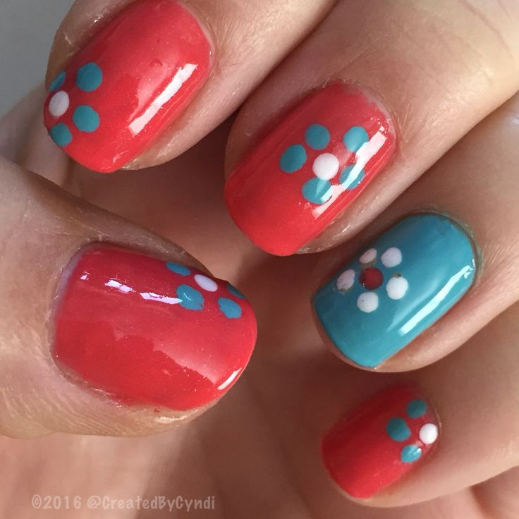 Bring it on, Springtime  themed mani ⏱⏲⏰⏱⏲⏰⏱⏲⏰ change clocks FORWARD 1 hour this wknd  ⏱⏲⏰⏱⏲⏰⏱⏲⏰ #DIY #NailArt #nail #nails  #nofilter #accentnail #march #spring #2016  #everydayzoya Top coat: #glistenandglow_hkgirl #zoya_SundayFunday  #zoya_InTheCab-ana  #daisies #dottingtools