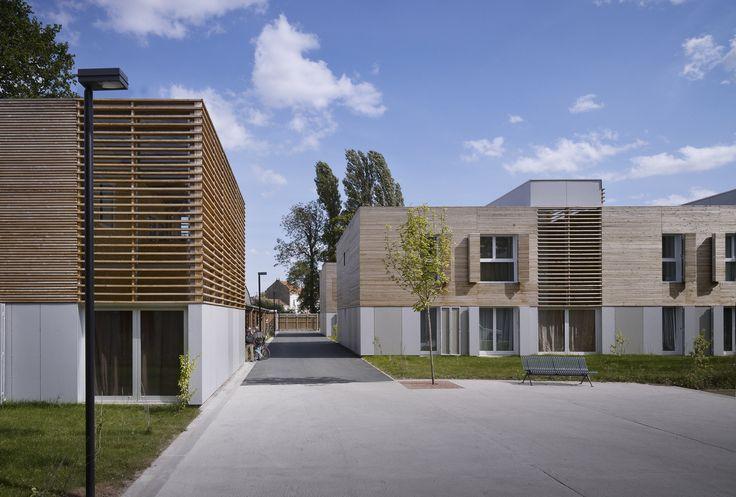 Les 51 meilleures images du tableau logement interm diaire - Piscine creusee contemporaine tourcoing ...