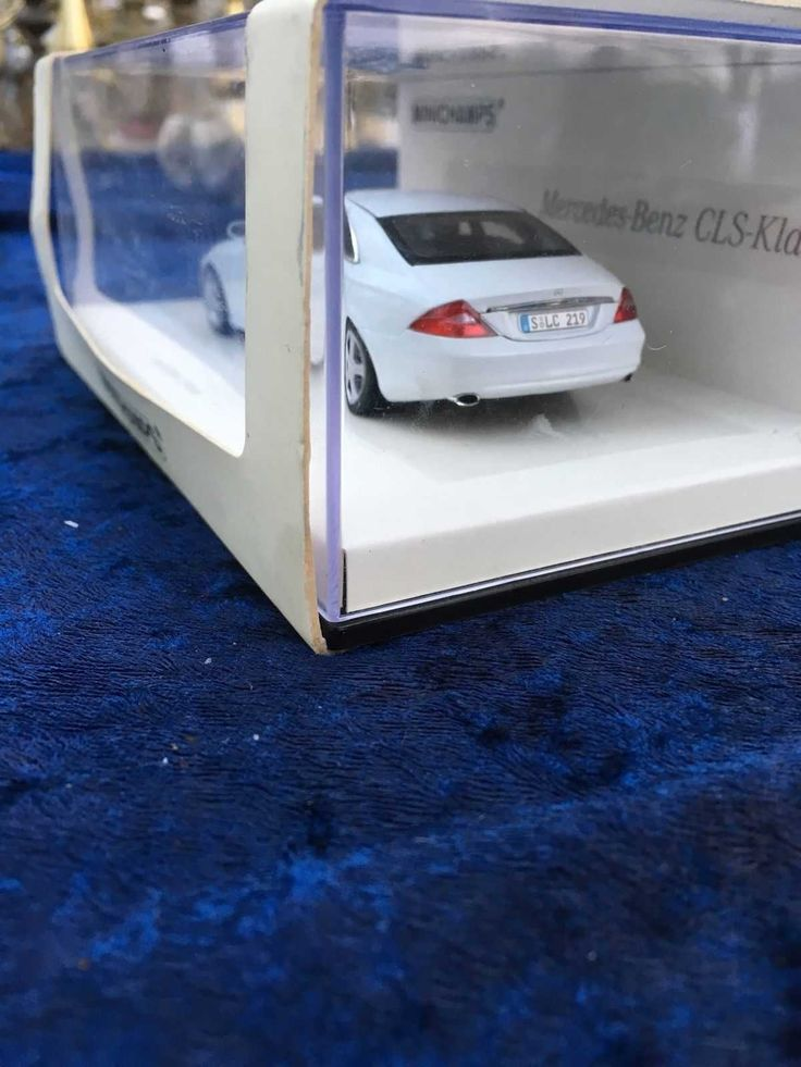 Minichaps Mercedes Benz Cls Klasse Modellauto 1:43