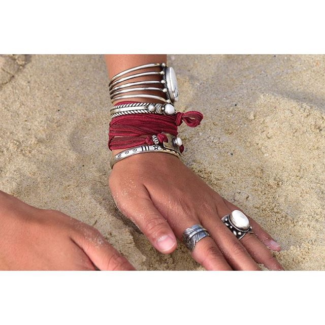 #whitebuffalo #indianjewelry #ホワイトバッファロー #インディアンジュエリー #america #navajo  #mensfashion #styling #accessories #bangle #mens #ladys #fashion #シルバーアクセサリー #バングル #リング #アメカジ #ファイン #サーフィンライフ #fine #surfinlife #whitebuffalo_surf  http://www.whitebuffalo.jp/
