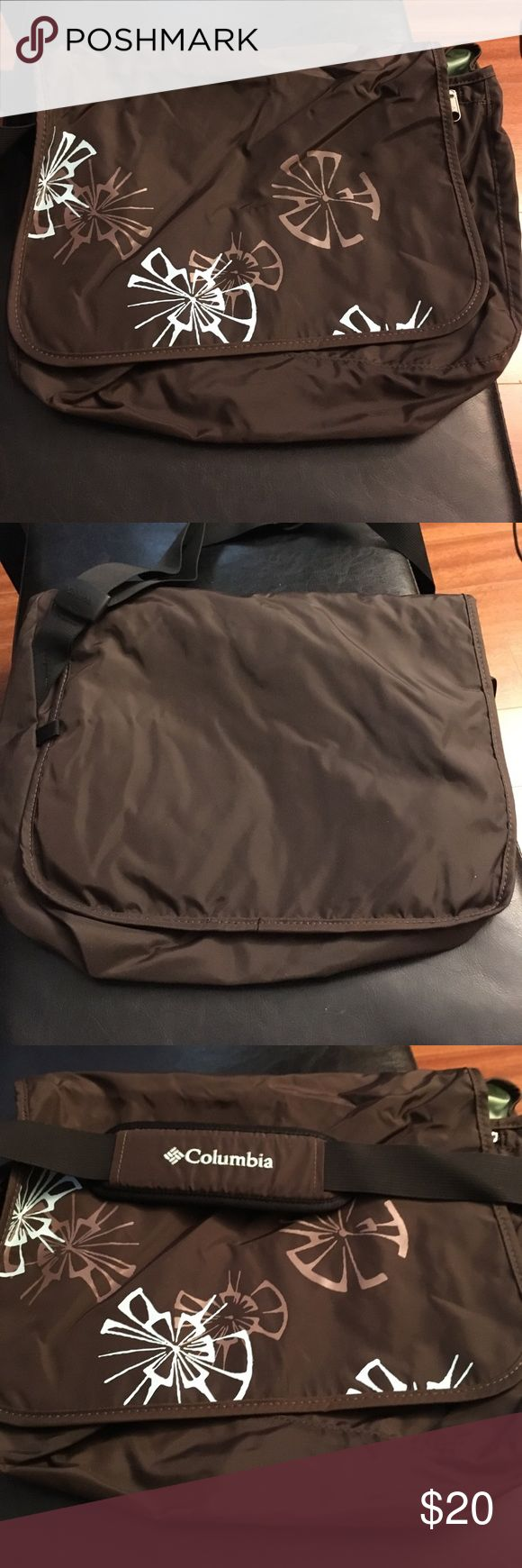 Columbia Women's Messenger Bag. Like new! Columbia Women's Messenger Bag. Used a few times. Still like new! Has Velcro closure. Zippered pocket inside with storage. Another zippered pocket underneath cover. Columbia Bags Crossbody Bags