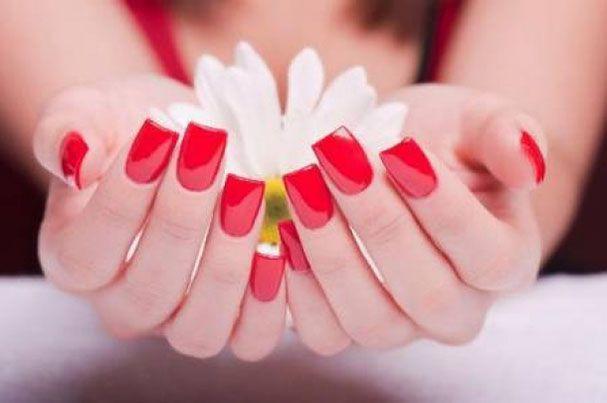 Come rimuovere lo #smalto per unghie senza sprechi >> http://www.youglamour.it/come-rimuovere-lo-smalto-per-unghie-senza-sprechi/