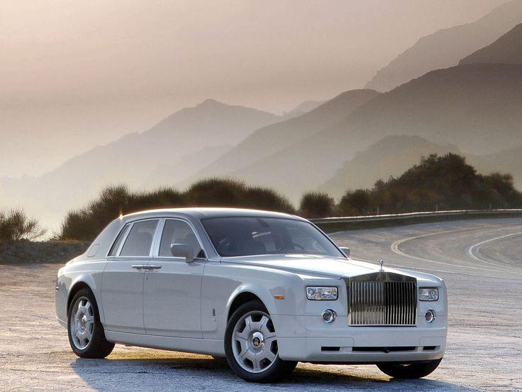 2006_Rolls-Royce_Phantom_001