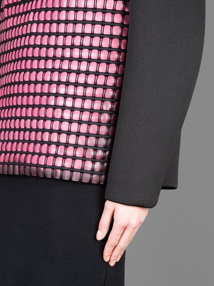 ALEXANDER WANG WOMEN'S BLACK CREW NECK SWEATER WITH THERMOCHROMIC PINK APPLICATION - ALEXANDER WANG CREW NECK SWEATER WITH THERMOCHROMIC APPLICATION - BLACK CREW NECK SWEATER - FLAMINGO COLOUR THERMOCHROMIC APPLICATION - THE APPLICATION CHANGES COLOUR WITH TEMPERATURE - 100% POLYESTER - MADE IN CHINA
