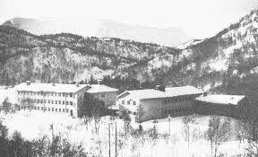 Bilderesultat for øksfjordbotn