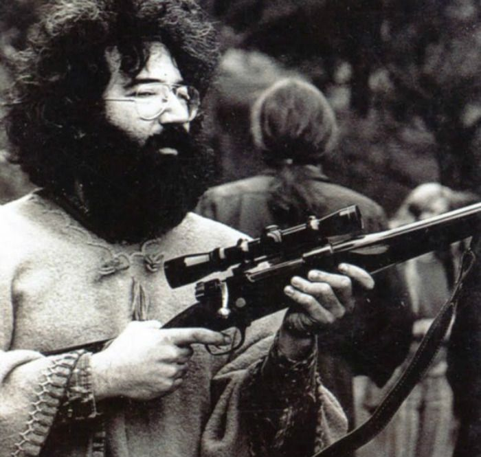 Jerry Garcia Jerry Garcia enlisted in the Army in 1960. He spent much of his time in the Army doing what he pleased — missing roll calls and going AWOL on numerous occasions. He was discharged with a general discharge after only a few months.